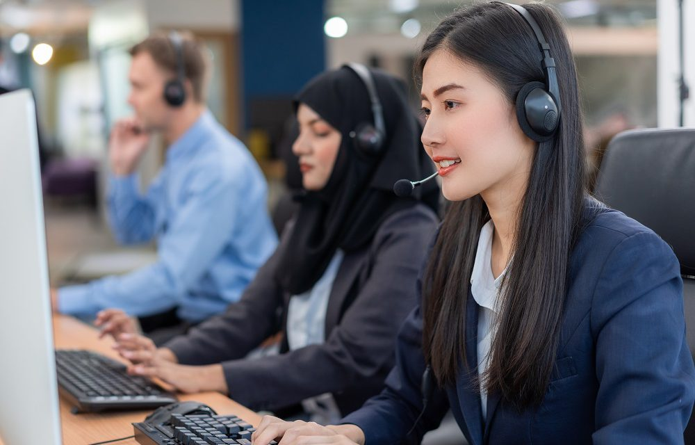 https://www.absolute-interpreting.co.uk/wp-content/uploads/2020/10/happy-smiling-operator-asian-woman-customer-service-agent-with-headsets_small-1000x640.jpg